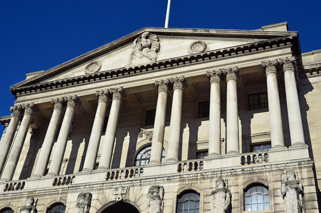 BoE cuts rates