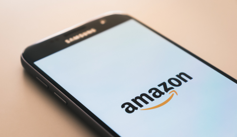Amazon tops $3000 a share